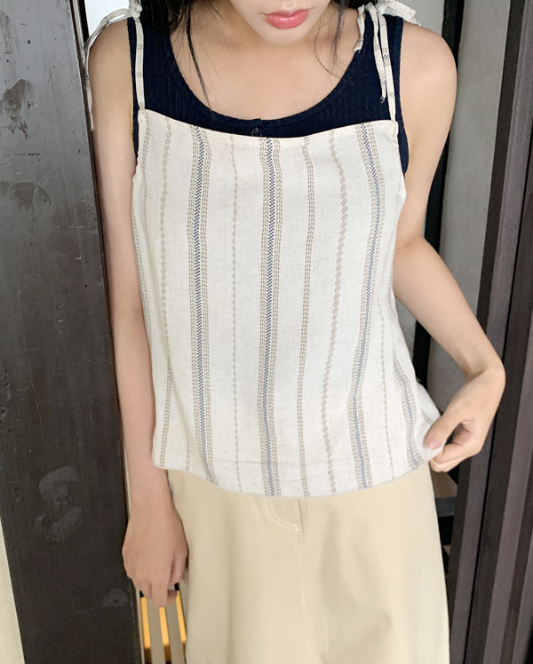 round neck button sleeveless