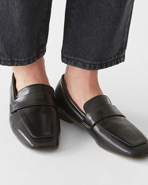 irina classical loafer (230-250)